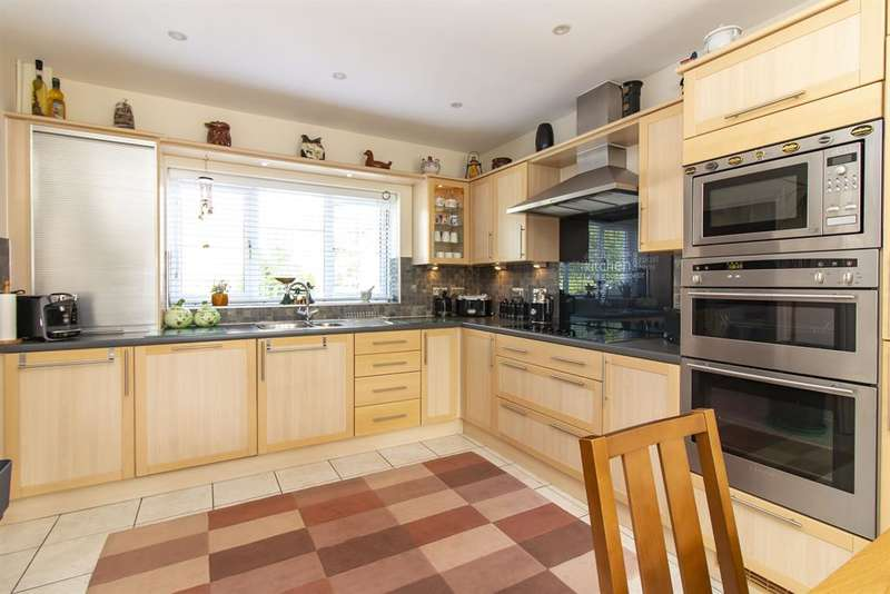 4 Bedrooms Semi Detached House for sale in Chartfields, Ashford, Kent, TN23 3HF