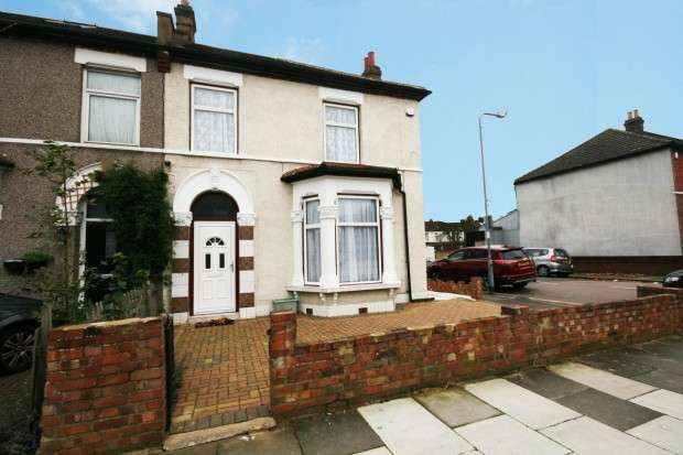 3 Bedrooms End Of Terrace House for sale in Dudley Road, Ilford, IG1