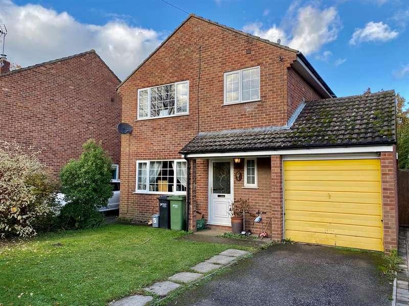 3 Bedrooms Detached House for sale in Darell Gardens, Frampton on Severn, Gloucester, GL2 7HZ