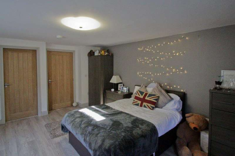 5 Bedrooms House for rent in Orme Road, Bangor, Gwynedd, LL57