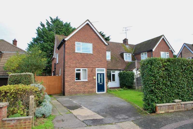 3 Bedrooms Semi Detached House for sale in Orchard Crescent, Old Town, Stevenage, SG1 3EW