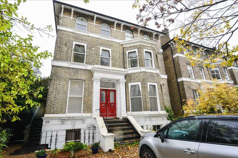 2 Bedrooms Apartment Flat for rent in Beaconsfield Road, London