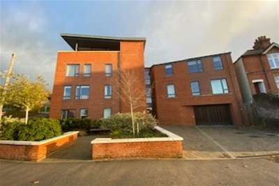 2 Bedrooms Flat for rent in Sydenham Road, Guildford