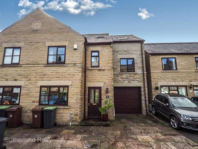 6 Bedrooms Semi Detached House for rent in Old Smithy Road, New Mills, High Peak, Derbyshire, SK22 3EH