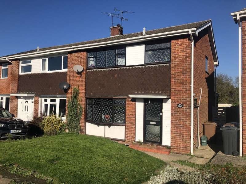 3 Bedrooms Semi Detached House for sale in Waveney Drive, Chelmsford