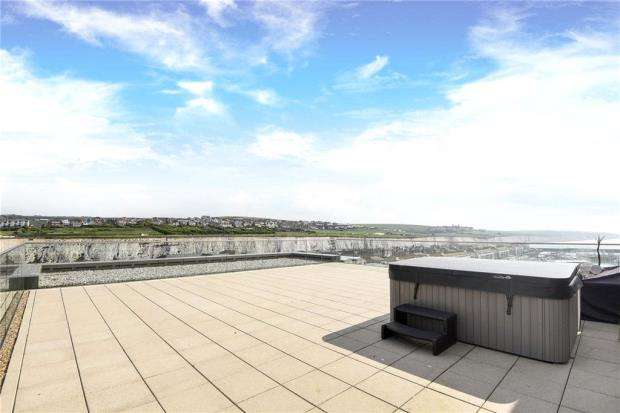 3 Bedrooms Apartment Flat for sale in Sirius, 6 The Boardwalk, Brighton