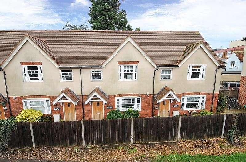 2 Bedrooms Terraced House for rent in The Bakery, Church Street, Weybridge, KT13