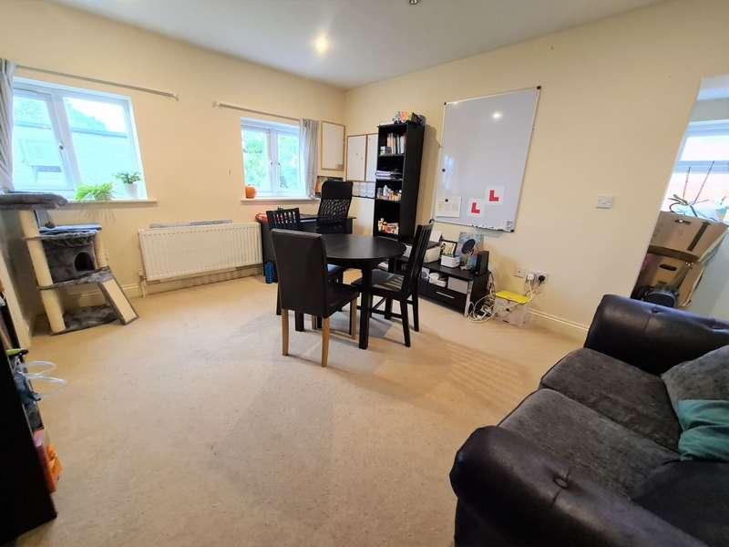 1 Bedroom Flat for rent in Cove Road, Farnborough, GU14