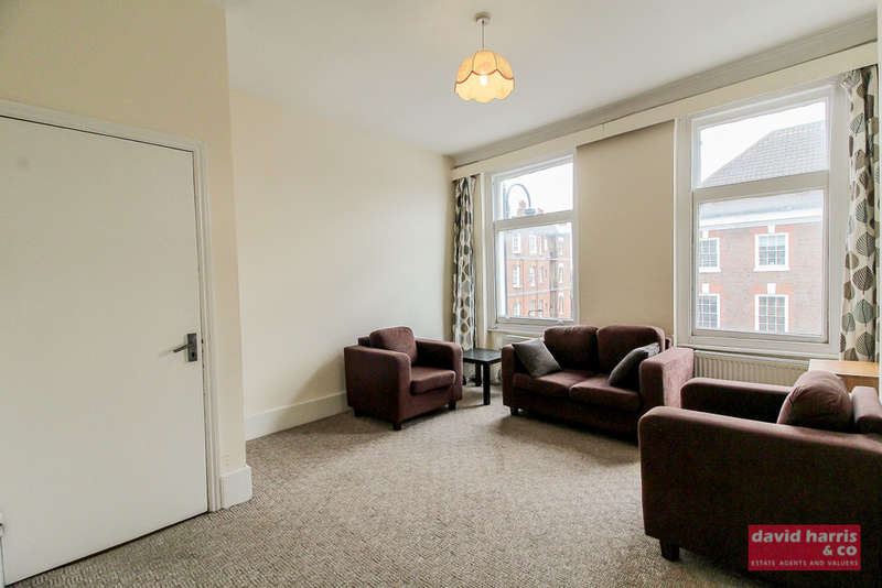 2 Bedrooms Flat for rent in Avenue Mews, Muswell Hill, N10