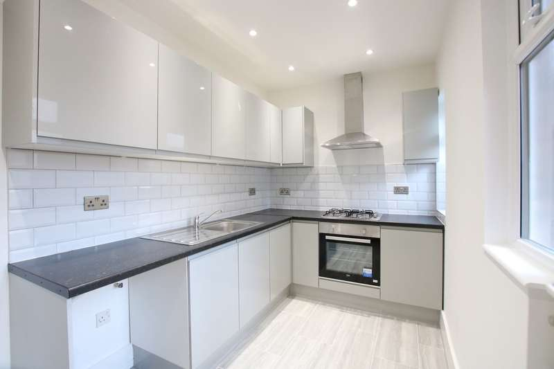 3 Bedrooms Maisonette Flat for rent in Temple Road, Cricklewood, London