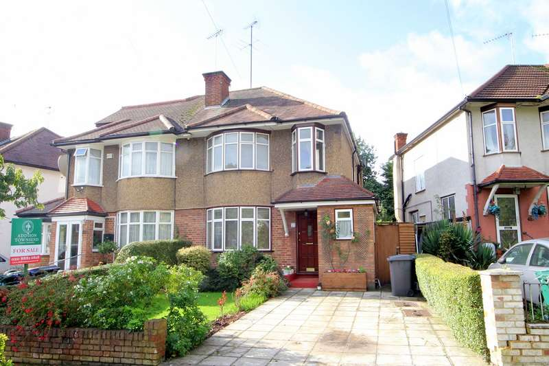 3 Bedrooms Semi Detached House for sale in Pymmes Green Road, London, N11