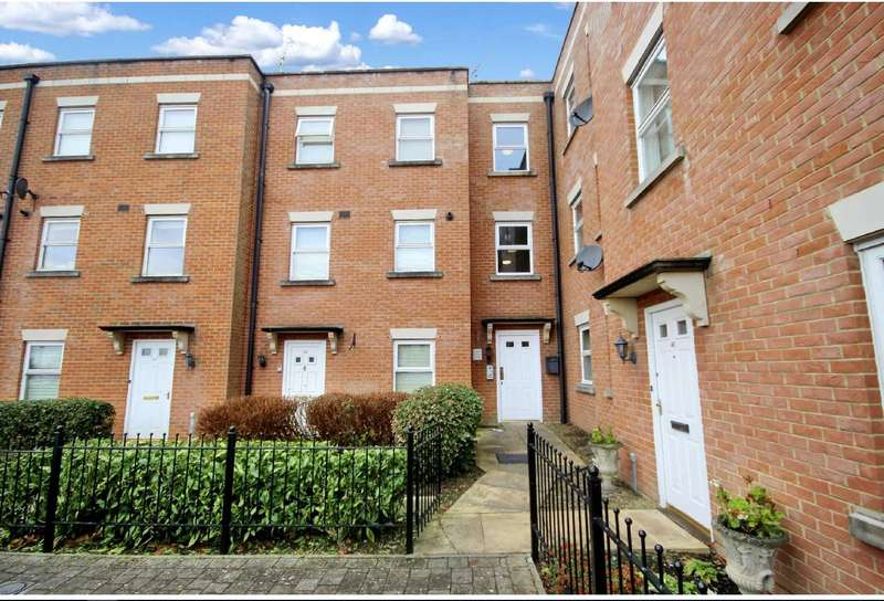 2 Bedrooms Flat for rent in Godwin Court, Old Town, Swindon, Wiltshire, SN1