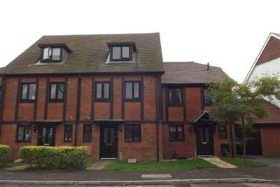 3 Bedrooms Terraced House for rent in Pease Pottage