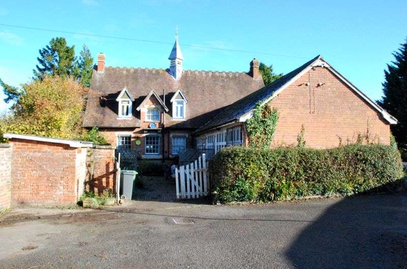 4 Bedrooms Property for sale in Coachmans, Stroud Road, Brookthorpe, Gloucester
