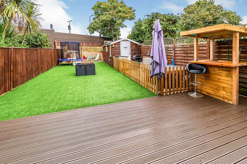 4 Bedrooms House for sale in Old Redbridge Road, Southampton, Hampshire, SO15