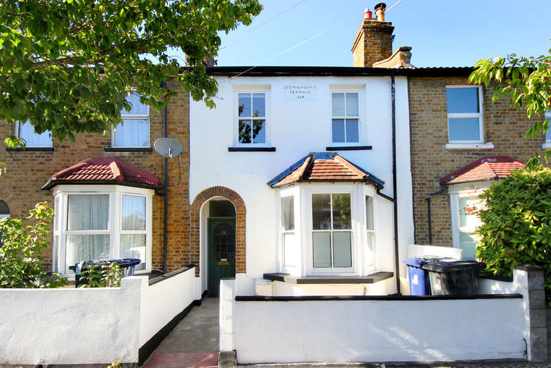 3 Bedrooms Terraced House for sale in Shakespeare Road, W3