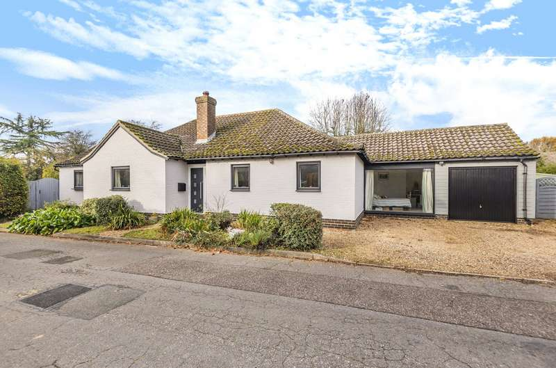 5 Bedrooms Detached Bungalow for sale in Links View, Newton, Sudbury, CO10