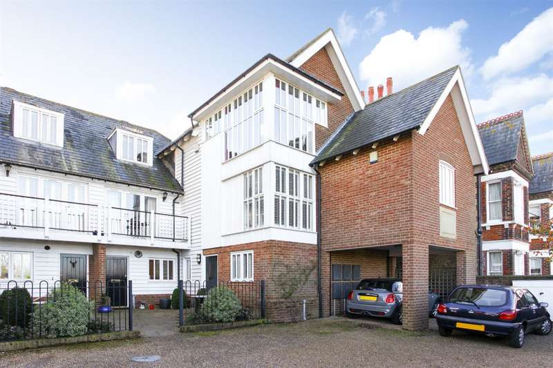 2 Bedrooms Flat for sale in West Cliff, Whitstable