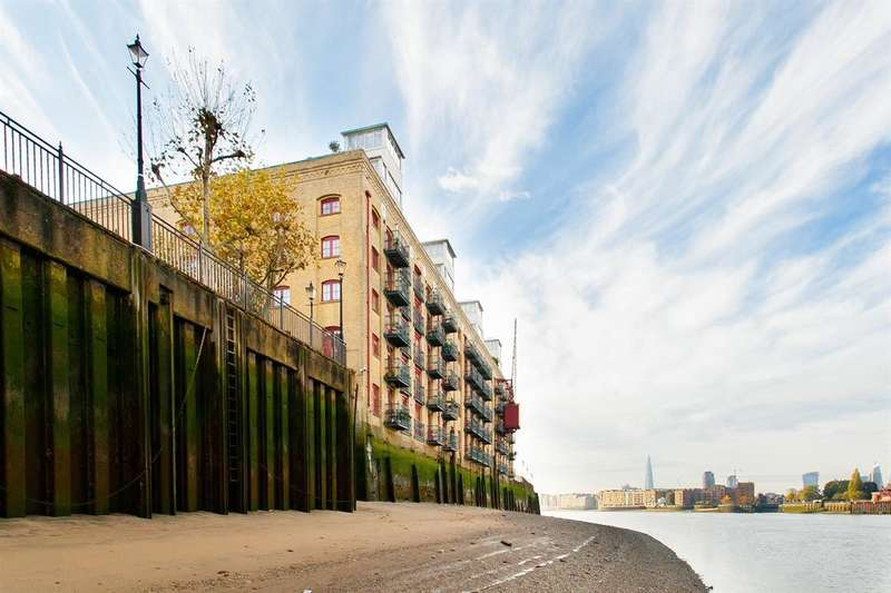 2 Bedrooms Apartment Flat for rent in Globe Wharf, Rotherhithe Street, London