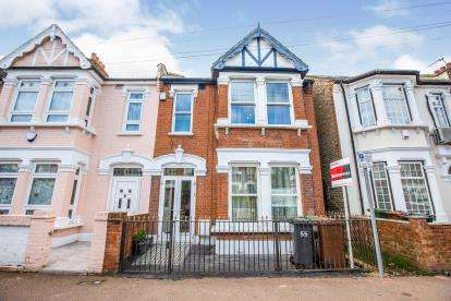 3 Bedrooms Terraced House for sale in Barking, Essex, England