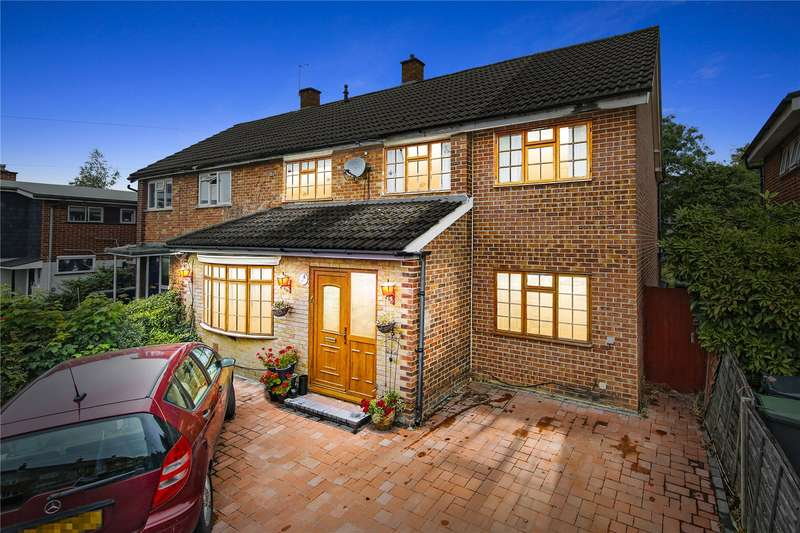 5 Bedrooms Semi Detached House for sale in The Croft, Loughton, Essex, IG10