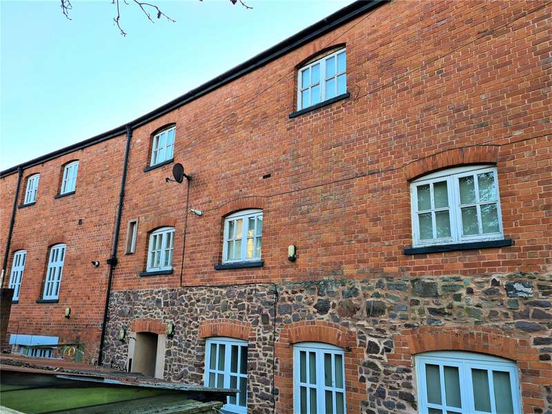 2 Bedrooms Terraced House for rent in Janes Court, Tiverton, EX16