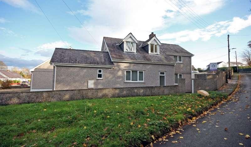 4 Bedrooms Detached Bungalow for sale in Tan Y Buarth Estate, Bethel, Caernarfon, Gwynedd, LL55