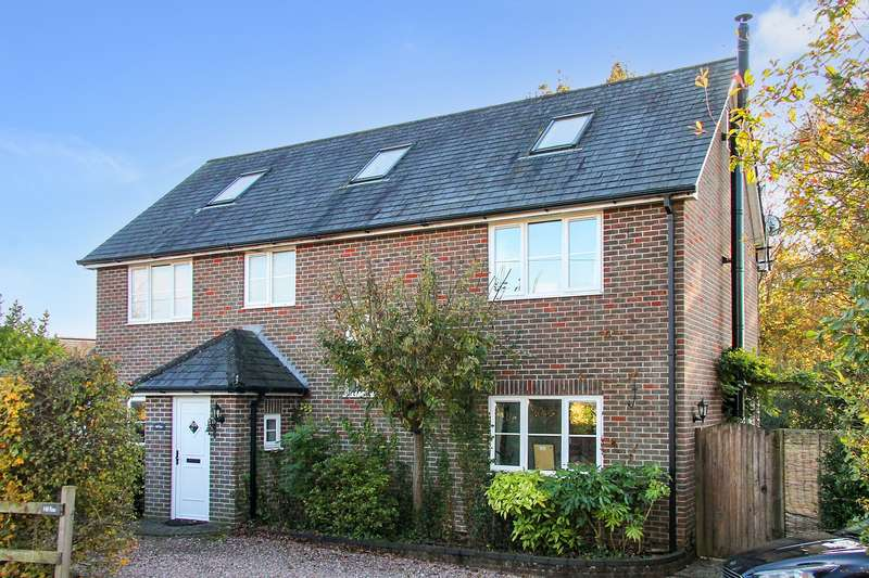 4 Bedrooms Detached House for sale in Soberton, Hampshire