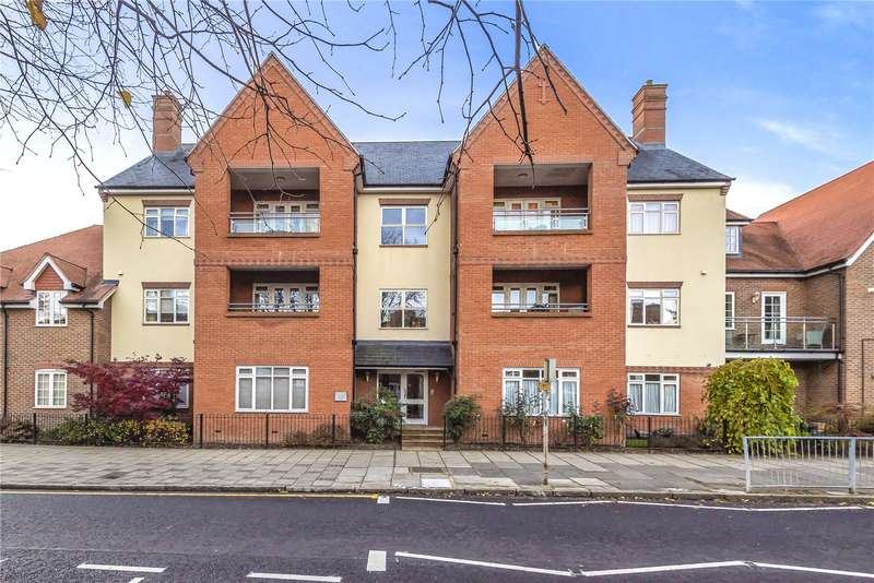 2 Bedrooms Penthouse Flat for sale in Woodman House, High Street, Rickmansworth, WD3