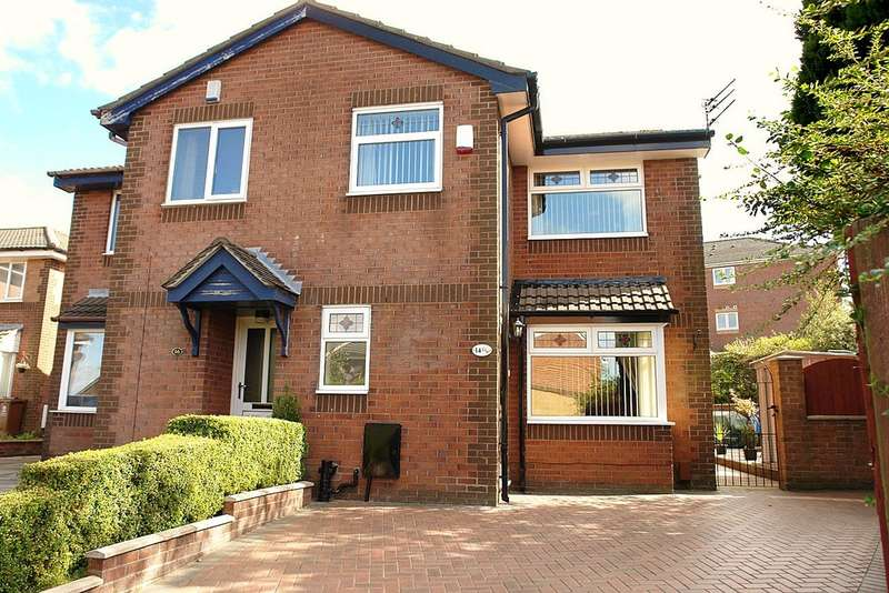 3 Bedrooms Semi Detached House for sale in Putney Close, Oldham