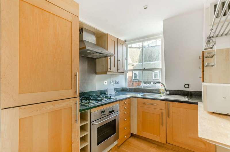2 Bedrooms Flat for rent in Whitehall, St James's, SW1A
