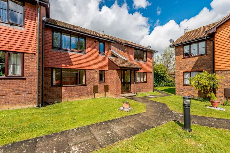 1 Bedroom Apartment Flat for rent in Highclere, Burpham, Guildford, GU1
