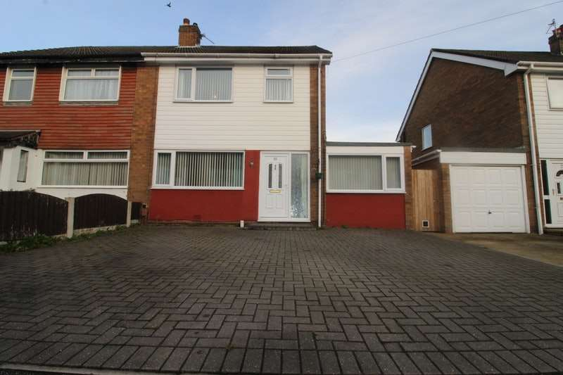 3 Bedrooms Semi Detached House for sale in Meadowcroft Road, Leyland, Lancashire, PR25