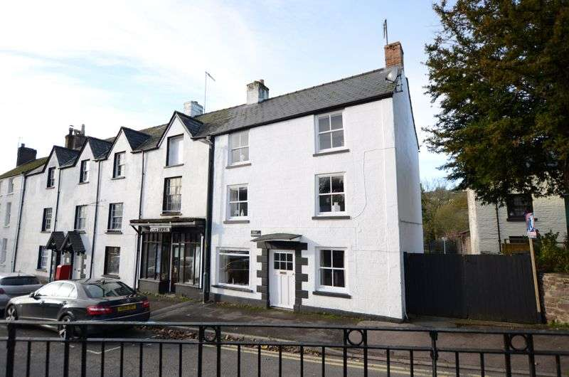 4 Bedrooms Property for sale in Church Square, Blakeney