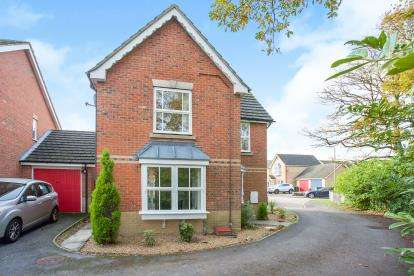 3 Bedrooms Detached House for sale in Titchfield Common, Fareham, Hampshire