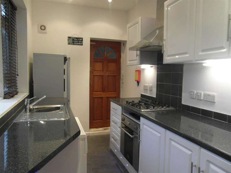 3 Bedrooms Terraced House for rent in Tylney Road, Norfolk Park , Sheffield , S2 2RX