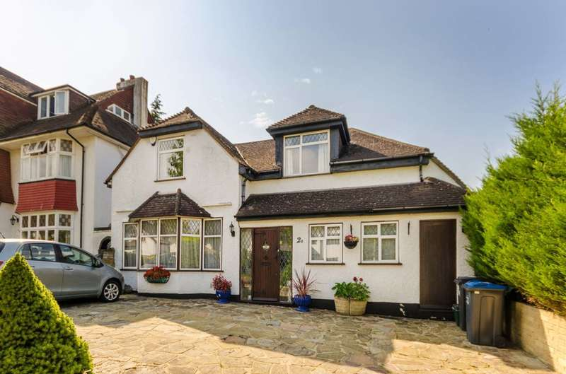 4 Bedrooms Detached House for sale in Upfield, Croydon, CR0