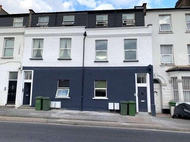 2 Bedrooms Maisonette Flat for rent in Ilderton Road, London, SE15