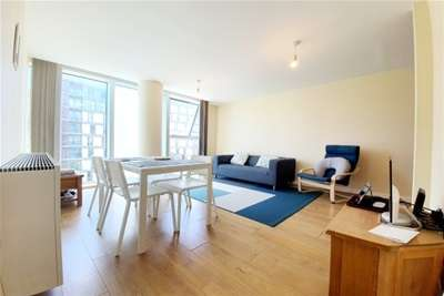 2 Bedrooms Flat for rent in Brooklyn House, The Hub