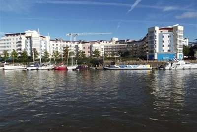 2 Bedrooms Flat for rent in The Crescent, Hannover Quay, Bristol Harbourside