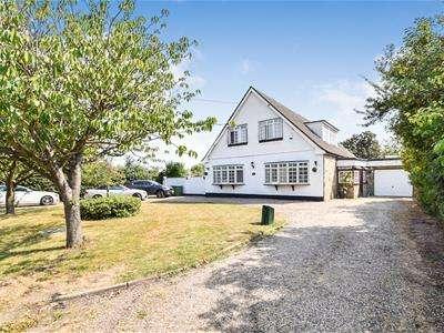 4 Bedrooms Chalet House for sale in Burnt Mills Road, North Benfleet, Wickford