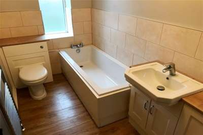 3 Bedrooms Property for rent in Barracks Lane, Walsall Wood
