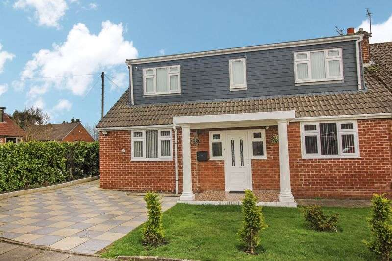 5 Bedrooms Property for sale in Cornwall Drive, Bury