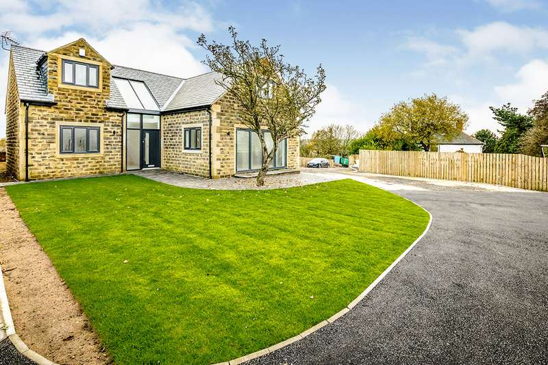 3 Bedrooms Detached House for sale in Carr Mount, Kirkheaton, Huddersfield, West Yorkshire, HD5