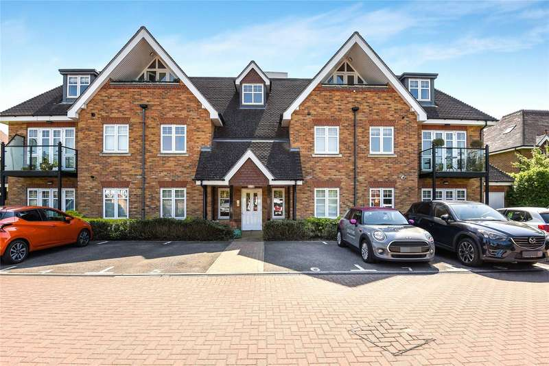2 Bedrooms Apartment Flat for rent in Shoppenhangers Road, Maidenhead, Berkshire, SL6