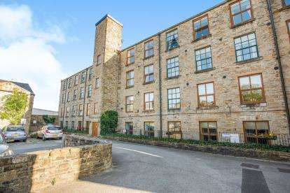 2 Bedrooms Flat for sale in Victoria Apartments, Padiham, Lancashire, BB12