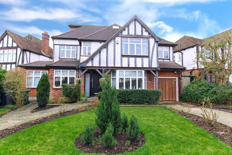 5 Bedrooms Detached House for rent in Kings Drive, Edgware, HA8