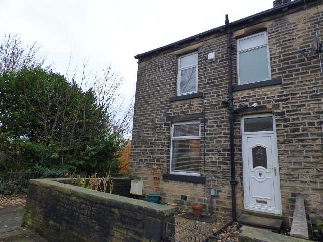 2 Bedrooms Terraced House for rent in Chester Street, Boothtown, Halifax, HX3