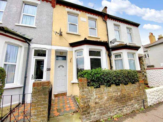 3 Bedrooms Terraced House for sale in North Road, Westcliff-on-Sea, Essex