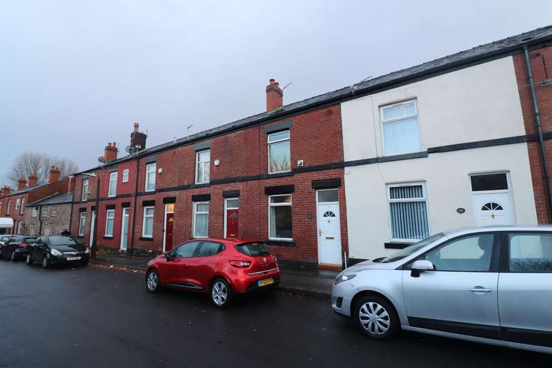 2 Bedrooms Terraced House for rent in Tonge Old Road, Bolton, BL2 6BY